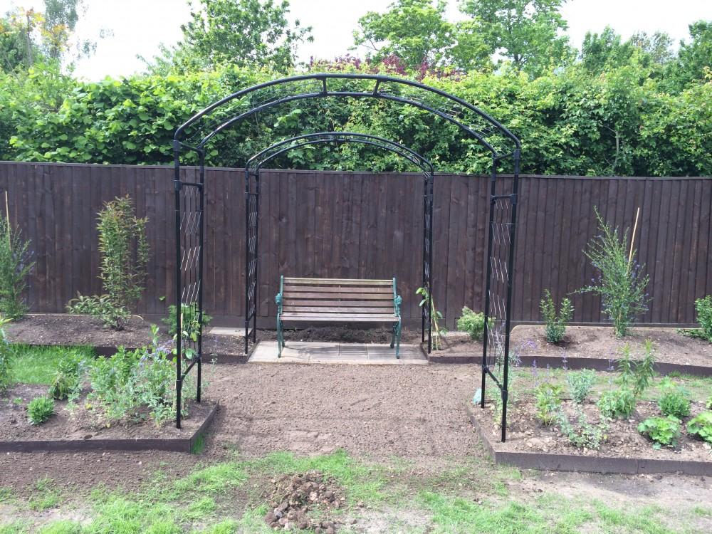 Hay Garden 2 1000x750 1